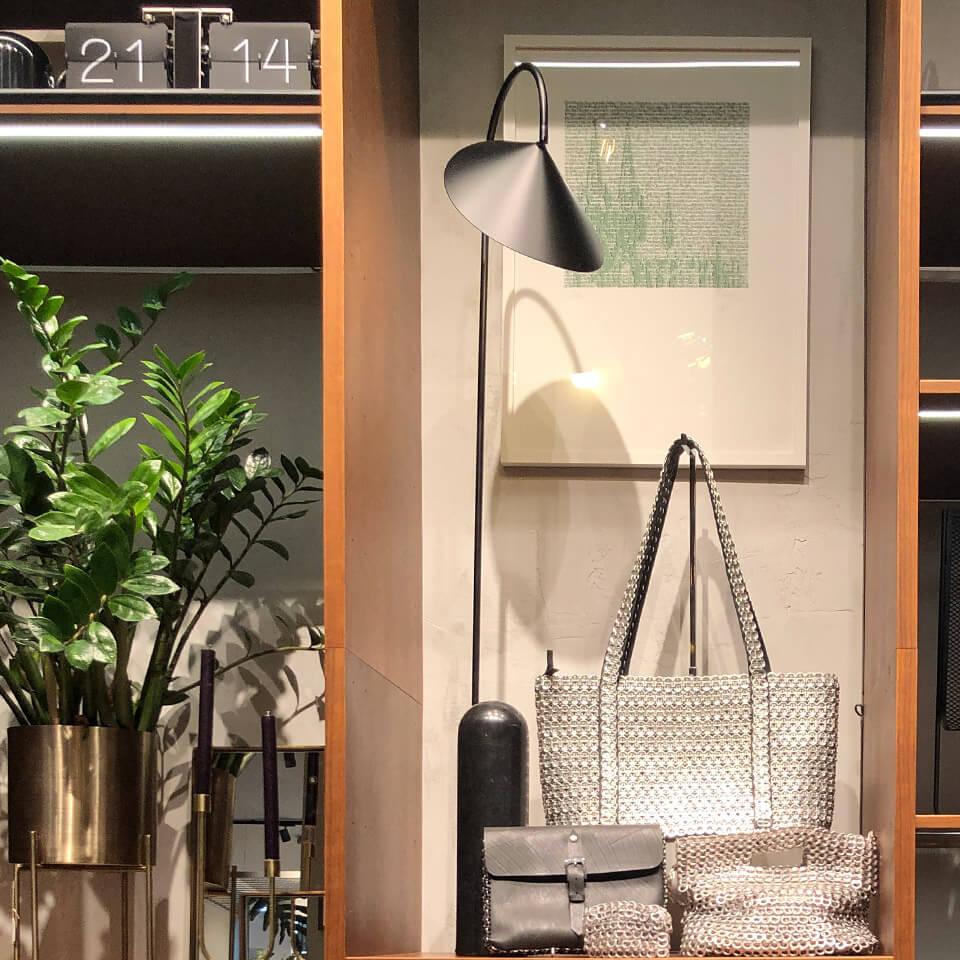 Ortloff Köln Retail Design Konzept Lampe